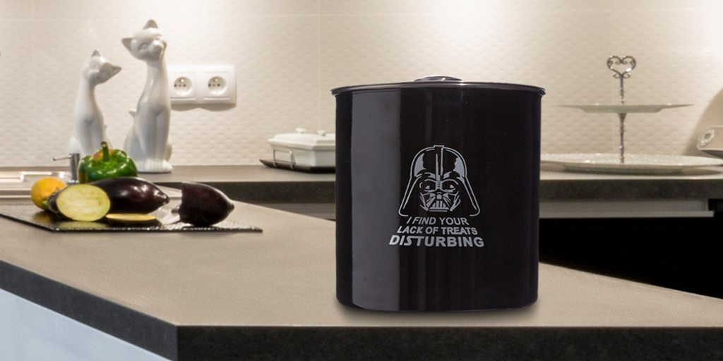 09-05621_StarWarsHomeCollection_Darth_TW_Canister